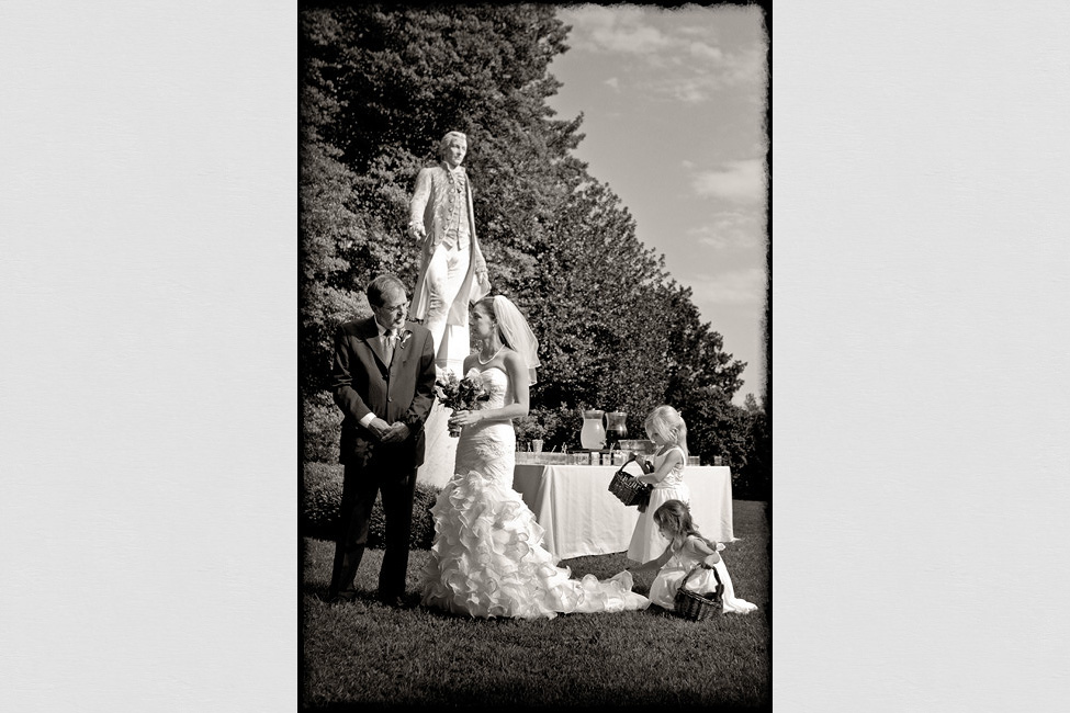 Ash-Lawn-weddings-Betsy-photographer