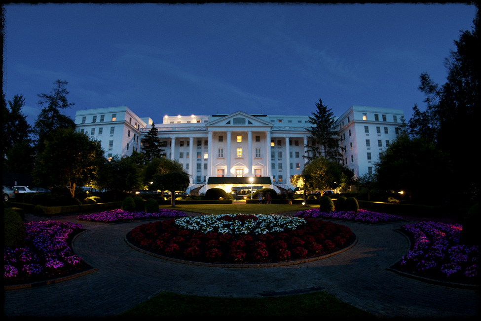 Greenbrier-weddings-photographer-night